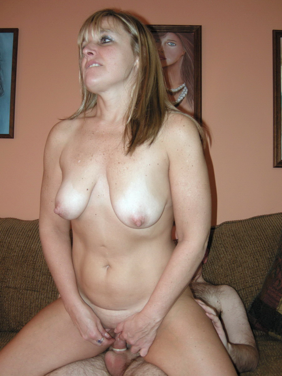 2 bbw milfs in blind date with boys 1